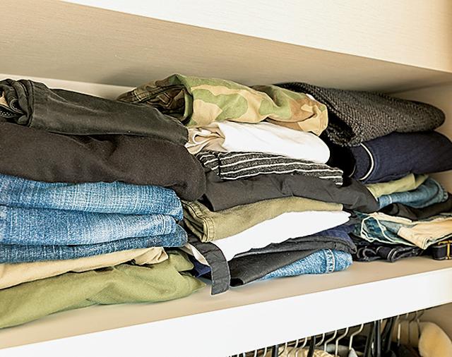 クローゼットと寝室の「分散収納」で洋服のはみ出しにさようなら!/洋服のしまい方