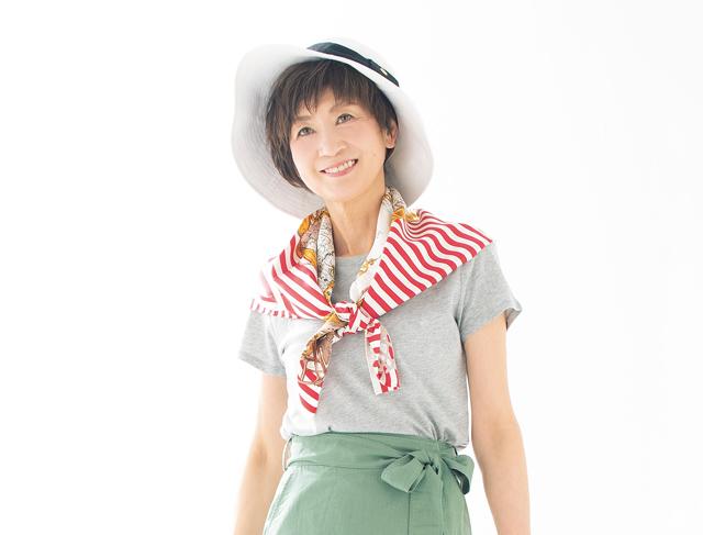 涼感もスタイルアップも叶います。ストール×帽子で日常着をオシャレに/ストール&帽子