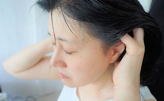 お風呂で血行促進ケア!ヘアケアのプロが教える「ぐっすり眠れる頭皮マッサージ」