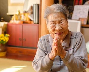 世界最高齢、101歳の女子アナ・はるのちゃん「自分のことは自分でしよる!」