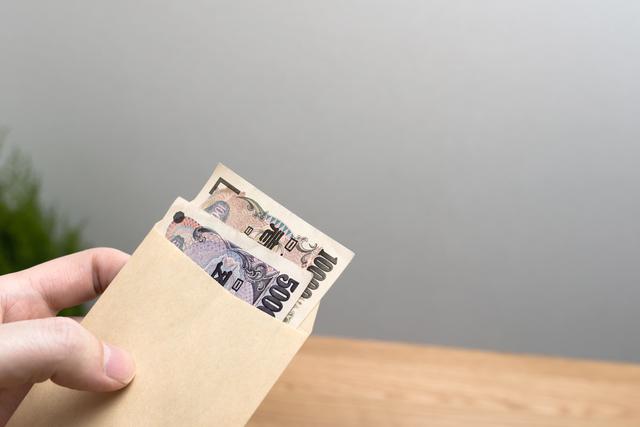 「チラシ配って3万円」がなぜかローン地獄に・・・「高額報酬のお仕事」の危ないワナ