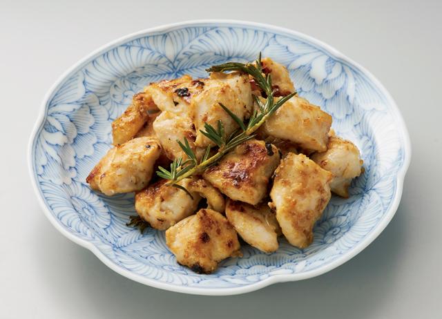 減塩ヘルシー!オリーブオイル香る「鶏むね肉の塩麹漬け」