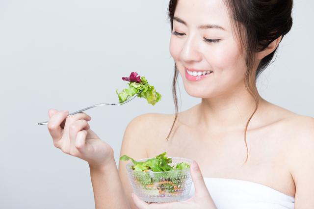 血糖値の変動が緩やかになると...⁉「ベジファーストダイエット」でやせる仕組み