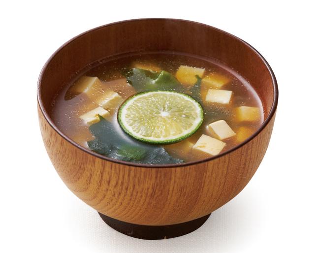 冬にあったか&健康に!「コラーゲンスープの素入りみそ汁」レシピ3選