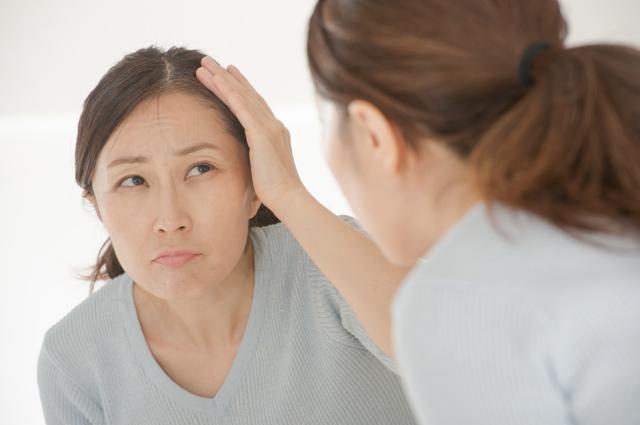 ボリュームが気になる「女性の薄毛」に。プロが教える「分け目」テクニック