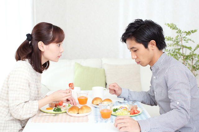 表情一つで嫌味な夫の態度が激変!?楽しさを分かりやすく伝える「笑顔の使い方」