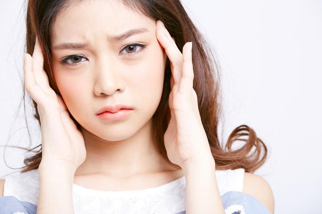 痛みがずっと取れない...尾を引く「慢性頭痛」の対処法とは?/漢方のプロ・櫻井大典先生が教える健康法