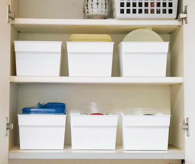 ものがたまって取り出しにくくなりがち...。キッチンの「つり戸棚&引き出し」のすっきり収納術