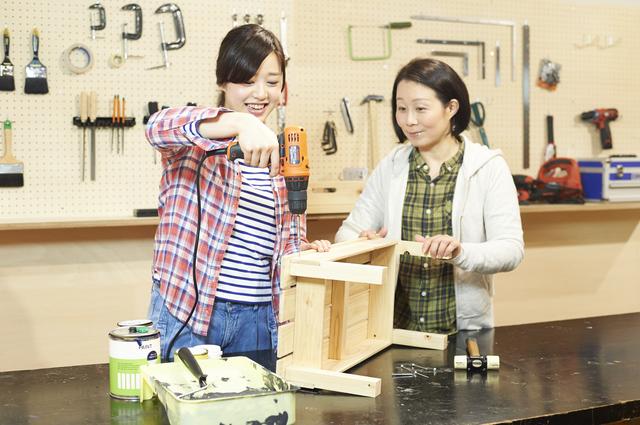 DIYにはまる女性が急増中! 工具の使い方から学べるDIY教室が人気に