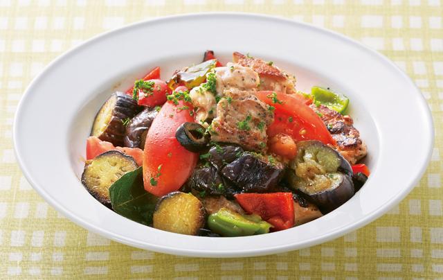 夏野菜たっぷりの「ラタトゥユ」は栄養もバッチリ♪「蒸しなす」のしっかりレシピ3選