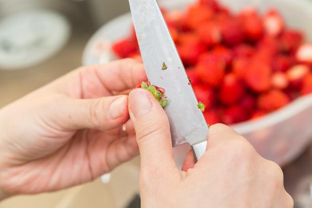 イチゴの栄養捨ててない?もったいない&危ない食べ方
