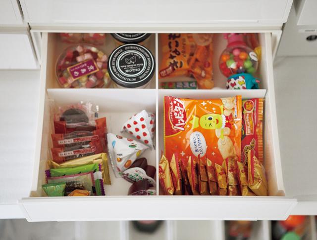 大袋管理?小分け管理?お菓子の買いすぎはこの収納で防ぐ!/リバウンドしない収納