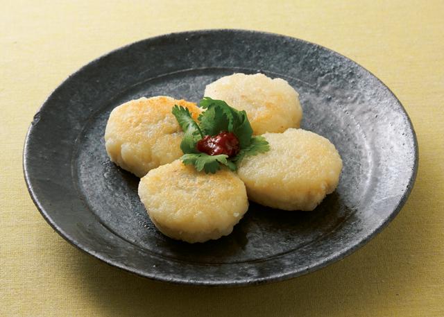 香ばしくてもっちりな蓮餅も♪ ちょい食べ「れんこん」レシピ2選