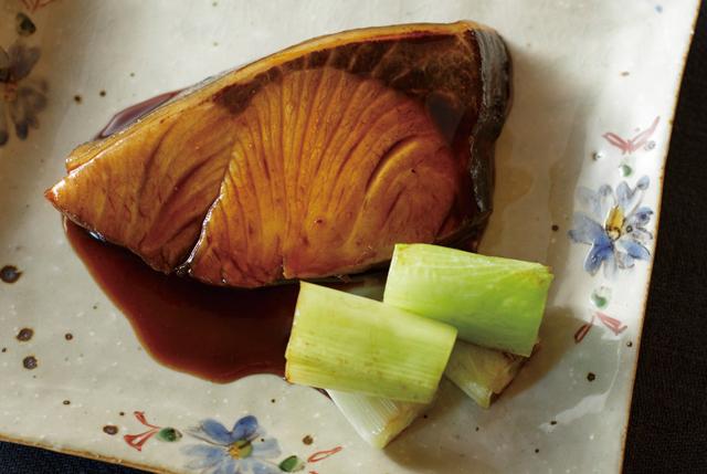 秋になると食べたい魚料理といえば? フライパンで簡単!「ぶりの鍋照り」/ふたりのごはん