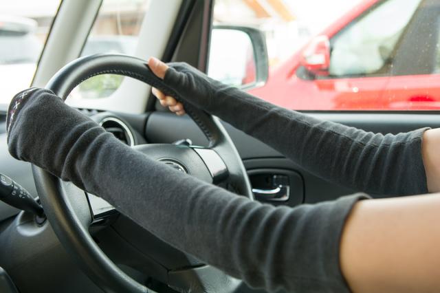 車の中で「日焼けしにくい」席はどこ? ドライブで気をつけたい紫外線対策