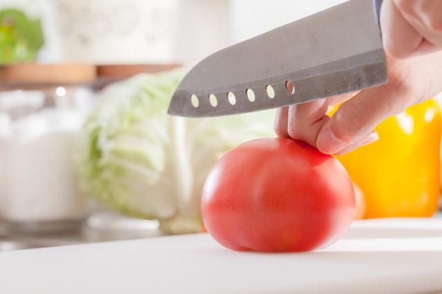 トマトを切るなら切れ味バツグンの包丁で。「砥石」が4つもランクイン!/ネットランキング