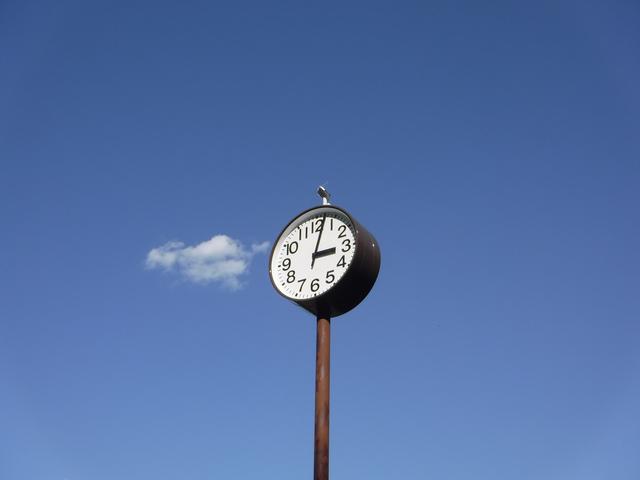 電波時計は福島と九州から送られる標準時刻をキャッチしている/身のまわりのモノの技術(38)【連載】