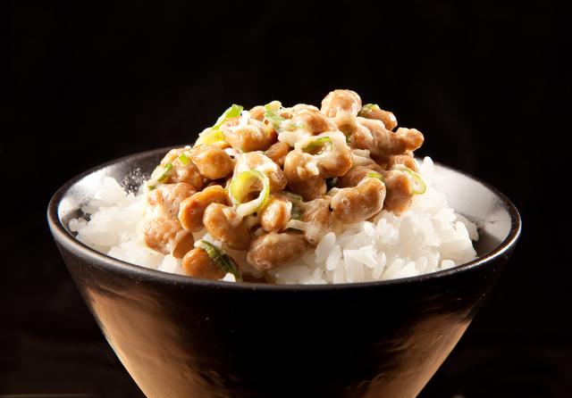 納豆にオリーブオイルを入れるの⁉ 医師が勧める「発酵食の食べ方」