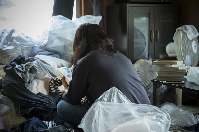 7034ad11a5 ゴミ屋敷に届いた一本の電話をきっかけに、汚部屋で暮らす自分を客観視 ...