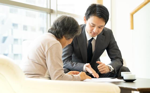 認知症などで「親の判断力」が衰えたら...。弁護士が教える「成年後見制度」/シニア六法(6)