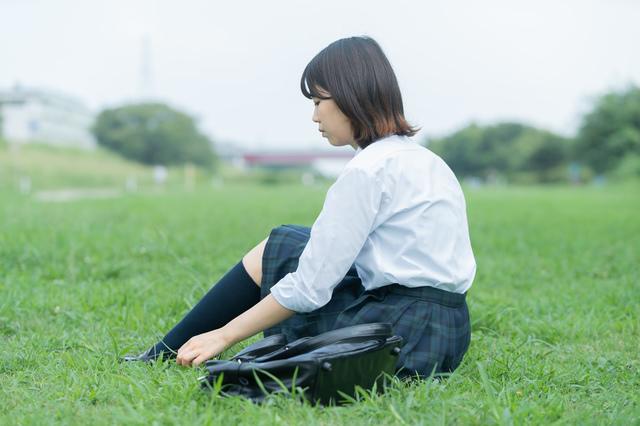 娘が学校で服を脱ぐよう強要されたら...知っておきたい「いじめ」への法的な対処法/おとめ六法(8)